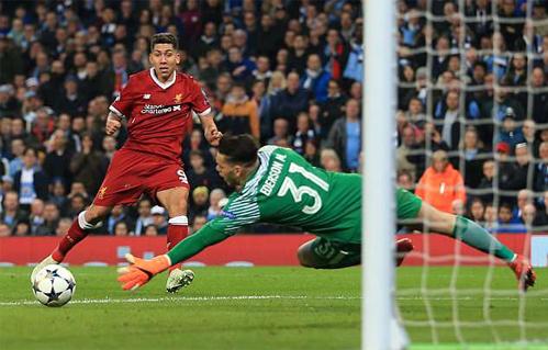 Firmino có vai trò quan trọng trên hàng công Liverpool. Ảnh: Reuters
