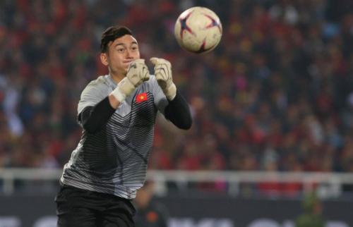Đặng Văn Lâm góp công không nhỏ trên hành trình đến chức vô địch AFF Cup 2018 của tuyển Việt Nam. Ảnh: Giang Huy.