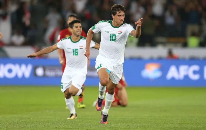 <p> <strong>Mohanad Ali (18 tuổi, Iraq)</strong>. Là cầu thủ trẻ nhất giải, nhưng Ali đã chứng minh rằng tuổi tác đơn thuần chỉ là những con số. ''Số 10'' của Iraq sớm để lại dấu ấn bằng những pha đi bóng lắt léo và một số bàn thắng đẹp, nhất là ở vòng bảng.</p>