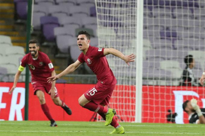 <p> <strong>Bassam Al-Rawi (21 tuổi, Qatar)</strong>. Được trời phú cho khả năng phòng ngự và cú sút chân trái sấm sét, Al-Rawi không chỉ là chốt chặn đáng tin cậy mà còn mang lại nhiều bàn thắng quan trọng cho Qatar. Với những gì đã thể hiện, ''số 15'' có thể thành công trong môi trường bóng đá đỉnh cao châu Âu. Nhưng trước hết, anh cần đưa Qatar đến ngôi vô địch Asian Cup.</p>