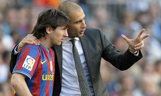Messi (trái) bị đồn sẽ tái hợp với Guardiola ở Man City. Ảnh: AFP.