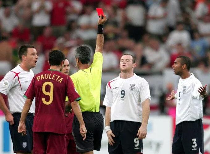 Rooney dễ dàng bỏ qua cho Ronaldo về những gì diễn ra 14 năm trước.