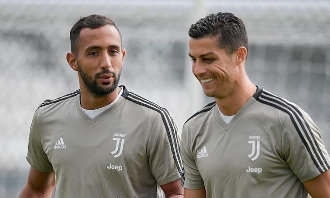Benatia (trái) là đồng đội của Ronaldo mùa 2018-2019. Ảnh: DR.