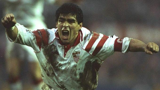 Maradona trong màu áo Sevilla. Ảnh: SS.