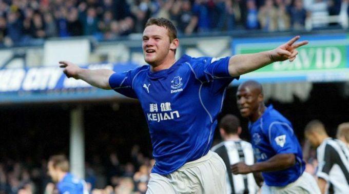 Rooney nhanh chóng bay cao sau khi lên đội một Everton.
