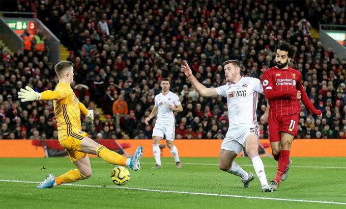 Ngoại hạng Anh chuẩn bị trở lại đấu chín vòng cuối. Ảnh: Reuters.