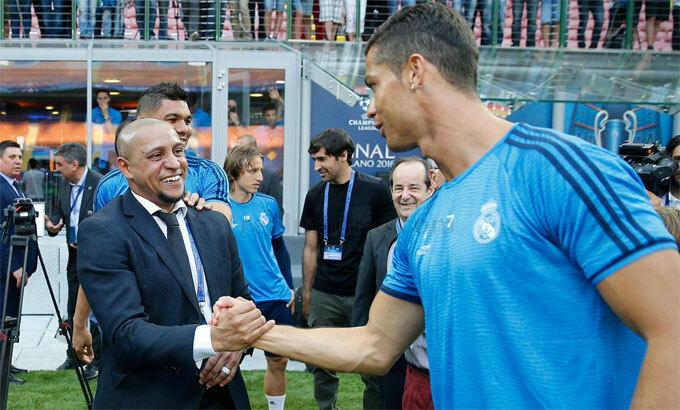 Carlos và Ronaldo từng nổi tiếng về những cú sút căng.