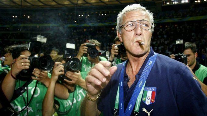 Tránh xa ánh đèn flash, ở một mình với một điếu xì-gà ngon là cách Lippi trở về với tĩnh lặng sau mỗi chiến thắng như ở chung kết World Cup 2006.