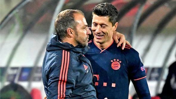 Lewandowski mừng vì Flick được bổ nhiệm chính thức. Ảnh: DPA.