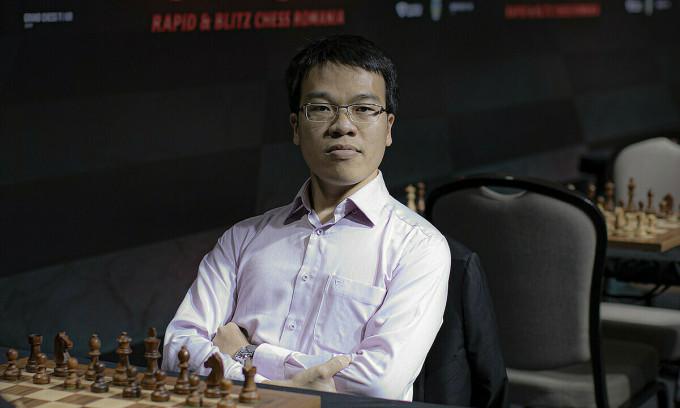 Quang Liêm tiếc vì lỡ cơ hội làm nên bất ngờ trước Carlsen. Ảnh: GCT.