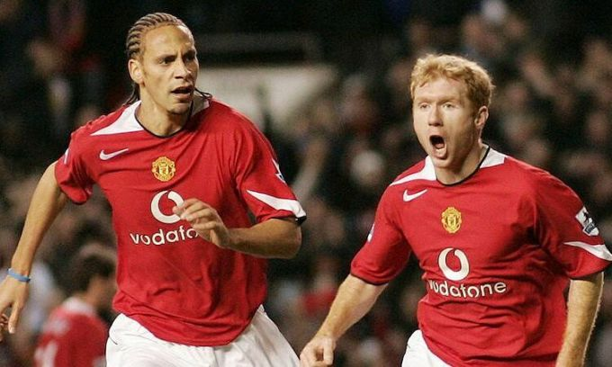 Ferdinand và Scholes từng cùng nhau mang về những vinh quang cho Man Utd. Ảnh: Reuters.