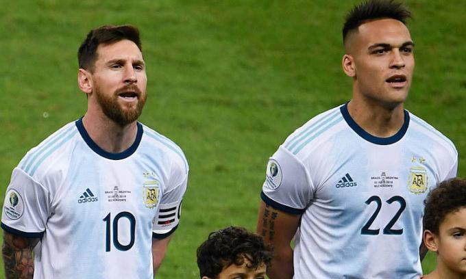 HLV Argentina ủng hộ Lautaro đến Barca