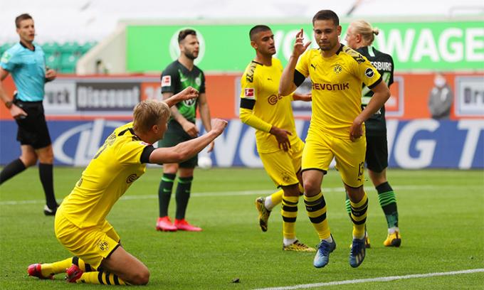 Dortmund thắng trận thứ sáu liên tiếp