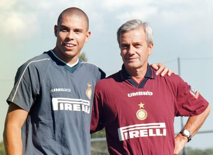 Ronaldo tri ân cố HLV Inter