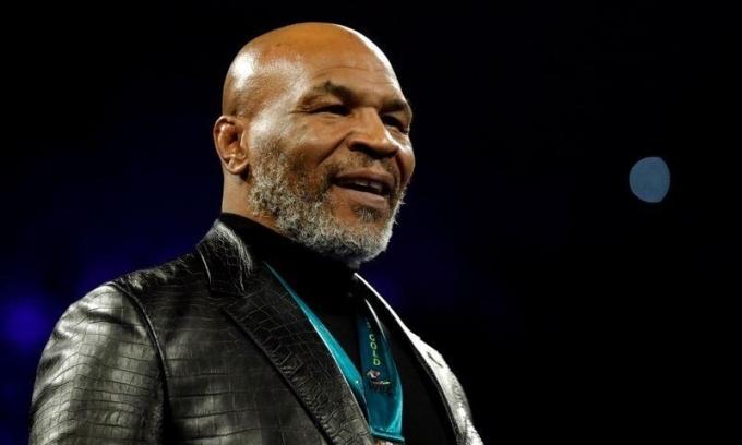 Mike Tyson xuất hiện trong trận tái đấu giữa Wilder và Fury hồi tháng 2/2020. Ảnh: Reuters.