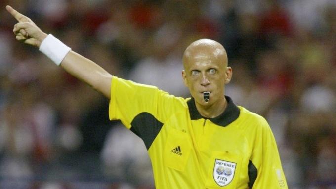 Collina nổi tiếng vì sự nghiêm khắc và công minh. Ảnh: FIFA.