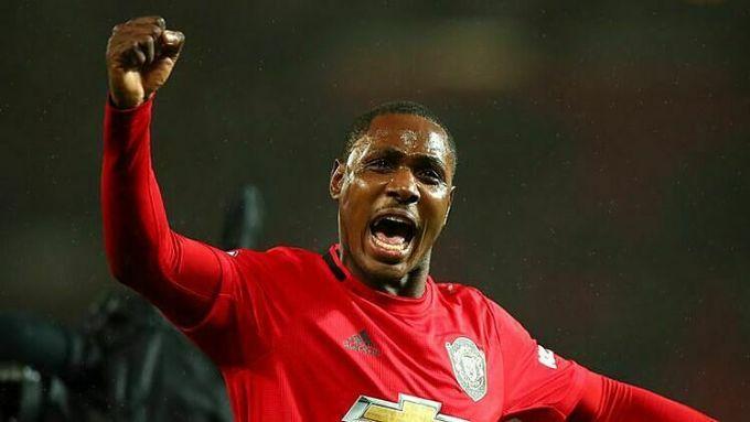Ighalo được lòng các CĐV tại Man Utd. Ảnh: Sky.