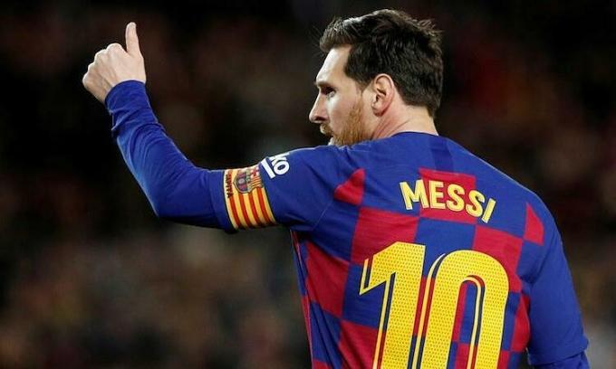 Lineker đánh giá trình độ của Messi vượt xa Ronaldo. Ảnh: Reuters.
