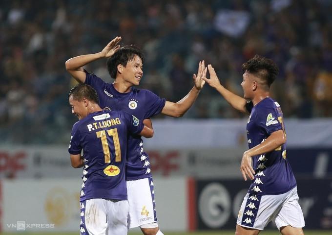 Các cầu thủ Hà Nội mừng chiến thắng 3-0 trước Đồng Tháp ở vòng 1/8 Cup Quốc gia 2020 chiều 31/5. Ảnh: Lâm Thỏa.