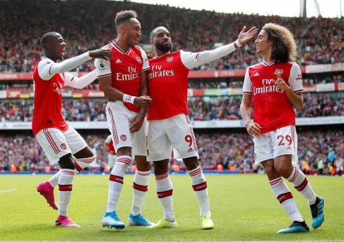 Smith: 'Arsenal thiếu tiền và tiếng tăm'
