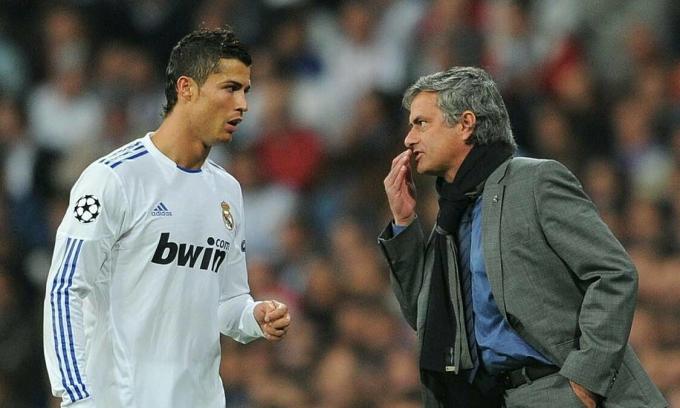 Mourinho và Ronaldo là đồng hương nhưng không có mối quan hệ tốt ở Real. Ảnh: AS.