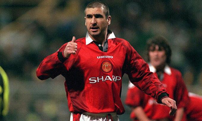 Cantona là một trong những cầu thủ cá tính nhất trong lịch sử Ngoại hạng Anh. Ảnh: Bongarts.