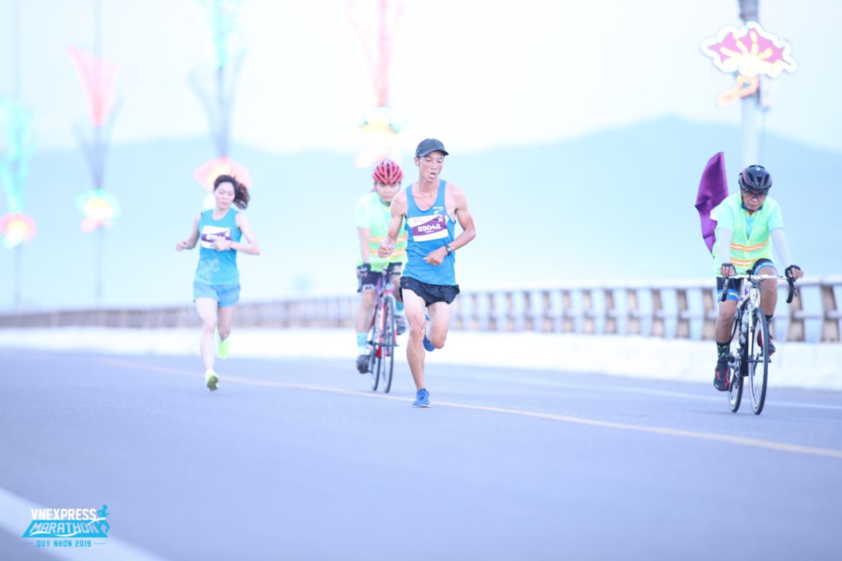 Những chân chạy nổi bật tại VnExpress Marathon Quy Nhơn 2020