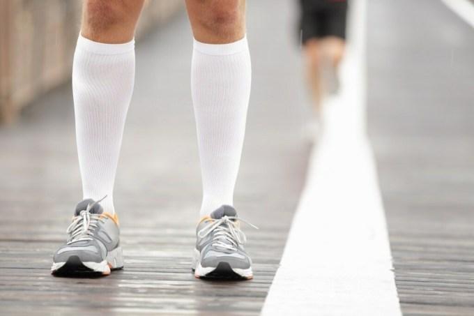Nên đi bộ sau khi chạy để giảm nhịp tim và giãn duổi cơ thể.