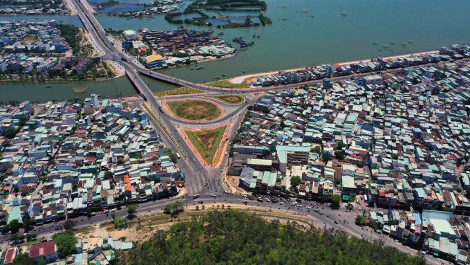 Sự xuất hiện của nhánh cầu Hà Thanh 1 mới hoàn thành sẽ giúp các runner không phải vòng qua đường Đống Đa như trước mà chạy thẳng từ Trần Hưng Đạo lên Võ Nguyên Giá