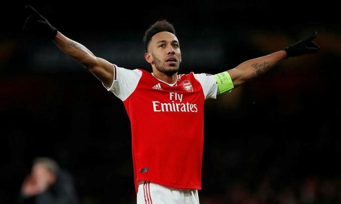Petit khuyên Aubameyang rời Arsenal