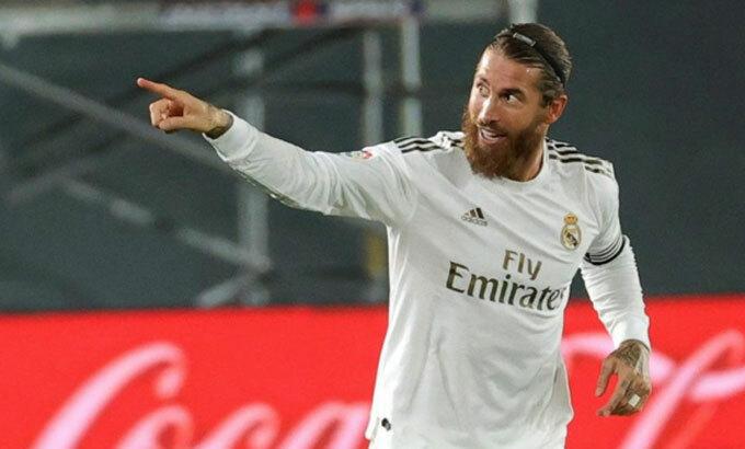 Ramos khuyên đồng đội cũ giữ mồm miệng. Ảnh: EFE.