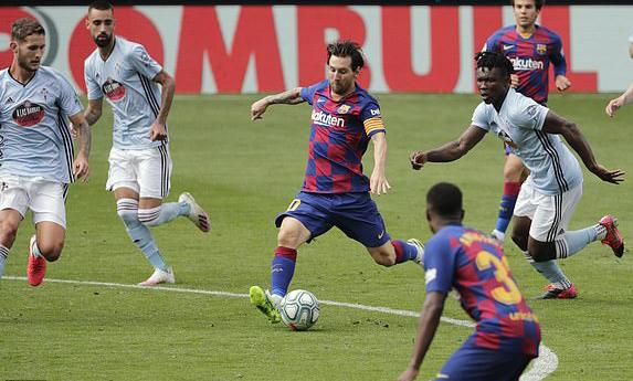 Messi lập cú đúp kiến tạo tối 27/6. Ảnh: AP.