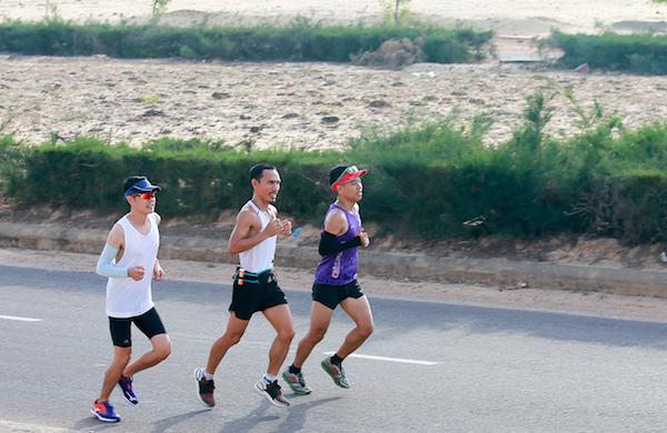 Chuyên gia tư vấn trực tiếp về an toàn trong chạy bộ