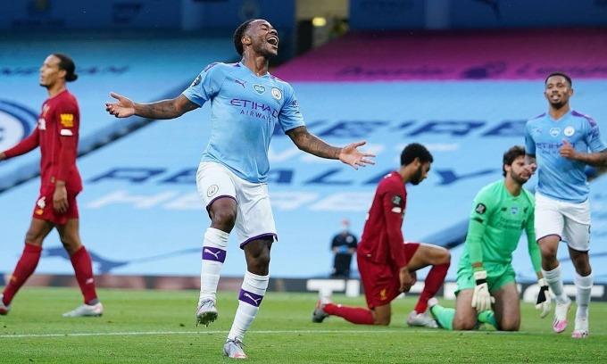 Man City đè bẹp Liverpool
