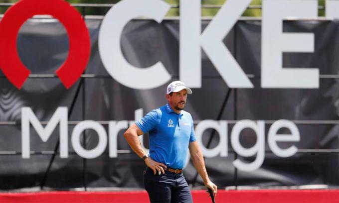 Ba golfer cùng dẫn đầu Rocket Mortgage Classic