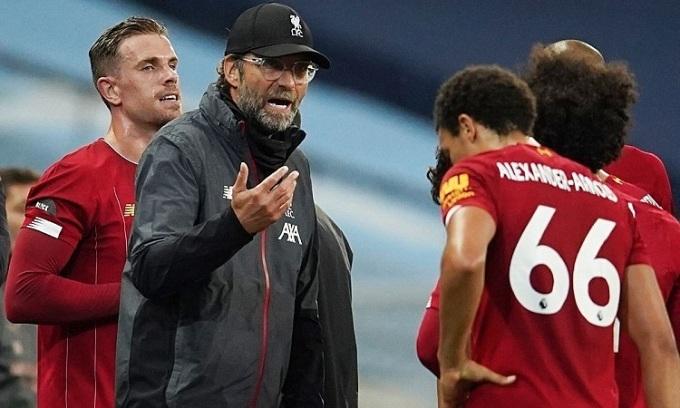 Klopp cho rằng cầu thủ Liverpool có thái độ tuyệt vời trong trận thua Man City 0-4. Ảnh: Reuters.