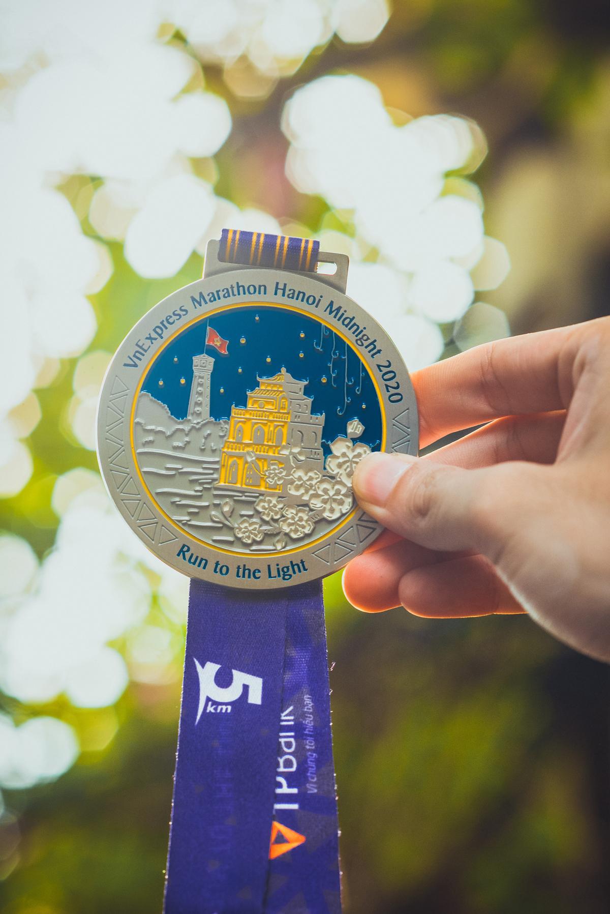 VnExpress Marathon Hanoi Midnight công bố huy chương