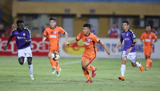 Hà Đức Chinh đang có phong độ cao, vừa lập cú đúp ở vòng 8 V-League 2020. Ảnh: VPF