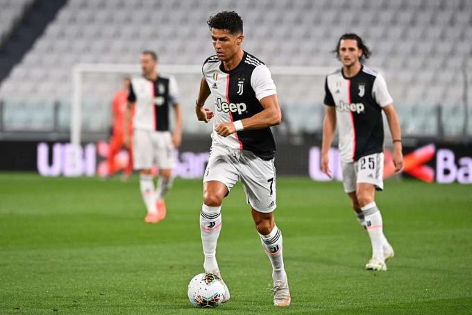 Ronaldo phá kỷ lục ghi bàn ở Juventus sau gần 70 năm. Ảnh: AFP.
