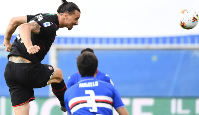 Ibrahimovic trở thành cầu thủ đầu tiên ghi 50 bàn ở Serie A cho cả Milan lẫn Inter. Ảnh: IPA.