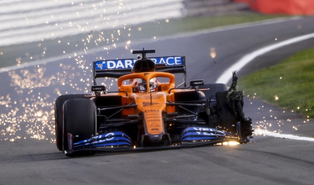 Loạt nổ lốp ở Grand Prix Anh