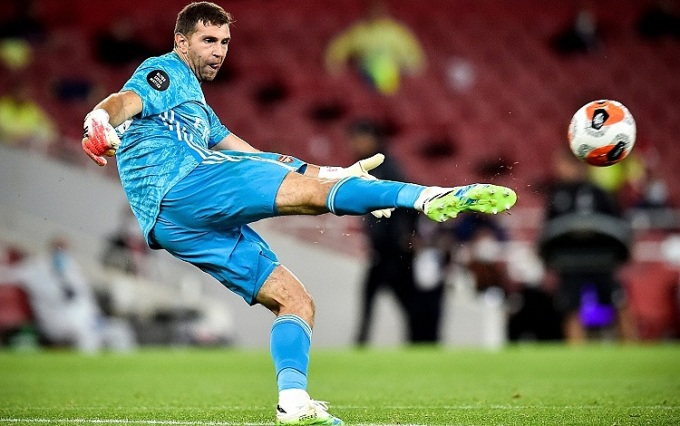 Martinez là một trong những thủ môn tận dụng tốt nhất cơ hội thể hiện khi được ra sân. Ảnh: EPA.