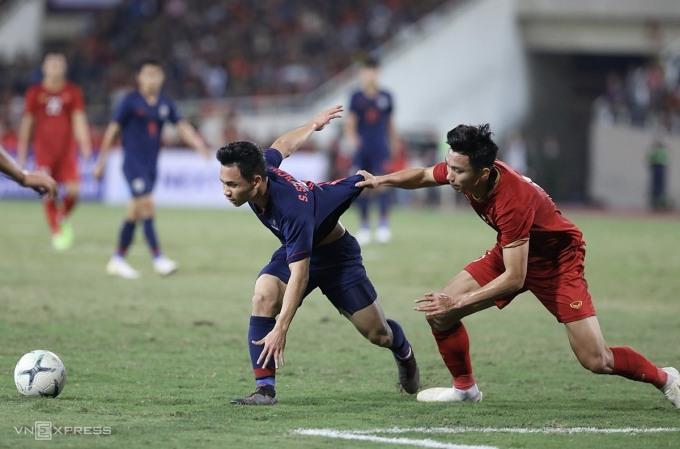 AFF Cup bị hoãn, và ảnh hưởng đi kèm ở vòng loại World Cup 2022 khiến bóng đá Việt Nam gặp khó khăn trong việc chuẩn bị lực lượng. Ảnh: Chiến Hữu.