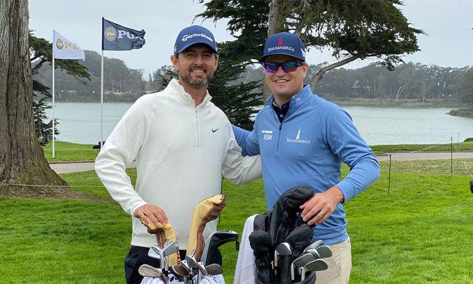 Zach H. Johnson (phải) hội ngộ người cùng tên - Zach J. Johnson ở vòng đấu tập PGA Championship hôm 5/8. Ảnh: PGA of America.