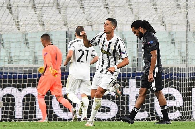 Ronaldo mừng bàn thứ hai trong trận đấu. Ảnh: Reuters.