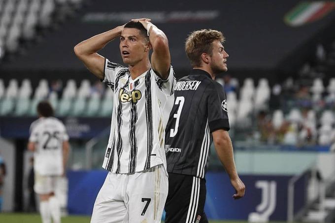 Nỗ lực của Ronaldo không đủ giúp Juventus đảo ngược thế cờ. Ảnh: Reuters.