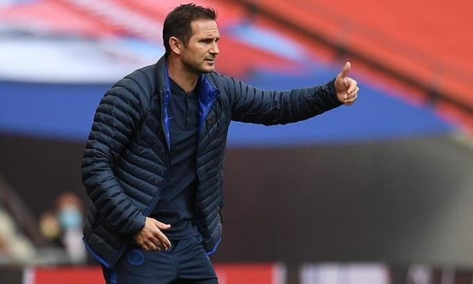 Liệu Lampard có thể giúp Chelsea lật ngược thế cờ? Ảnh: Reuters.