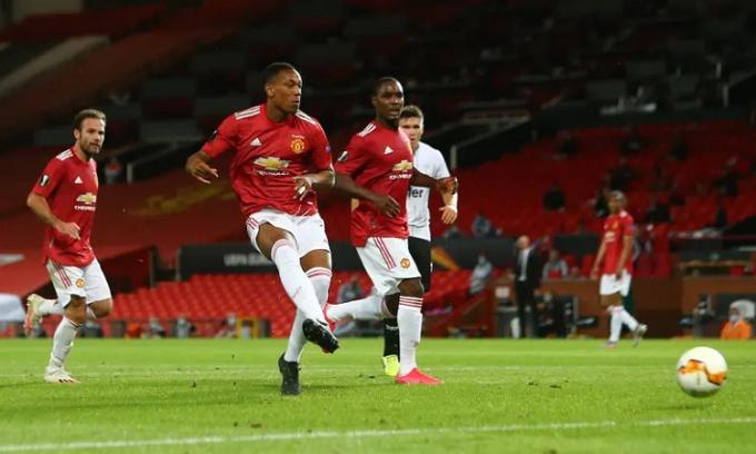 Man Utd vô địch Europa League vào năm 2017 và là đội bóng già dơ ở sân chơi châu lục. Ảnh: Reuters.
