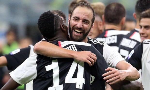 Higuain và Matuidi là những cầu thủ đầu tiên rời Juventus trong kỷ nguyên Pirlo. Ảnh: EPA.