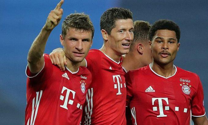 Lewandowski (giữa) và Gnabry (phải) cùng tỏa sáng trước Lyon tối 19/8 để đưa Bayern vào chung kết Champions League. Ảnh: Reuters.